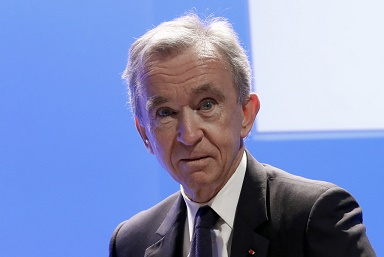 意记者:LV集团总裁、欧洲首富阿尔诺有意收购AC米兰